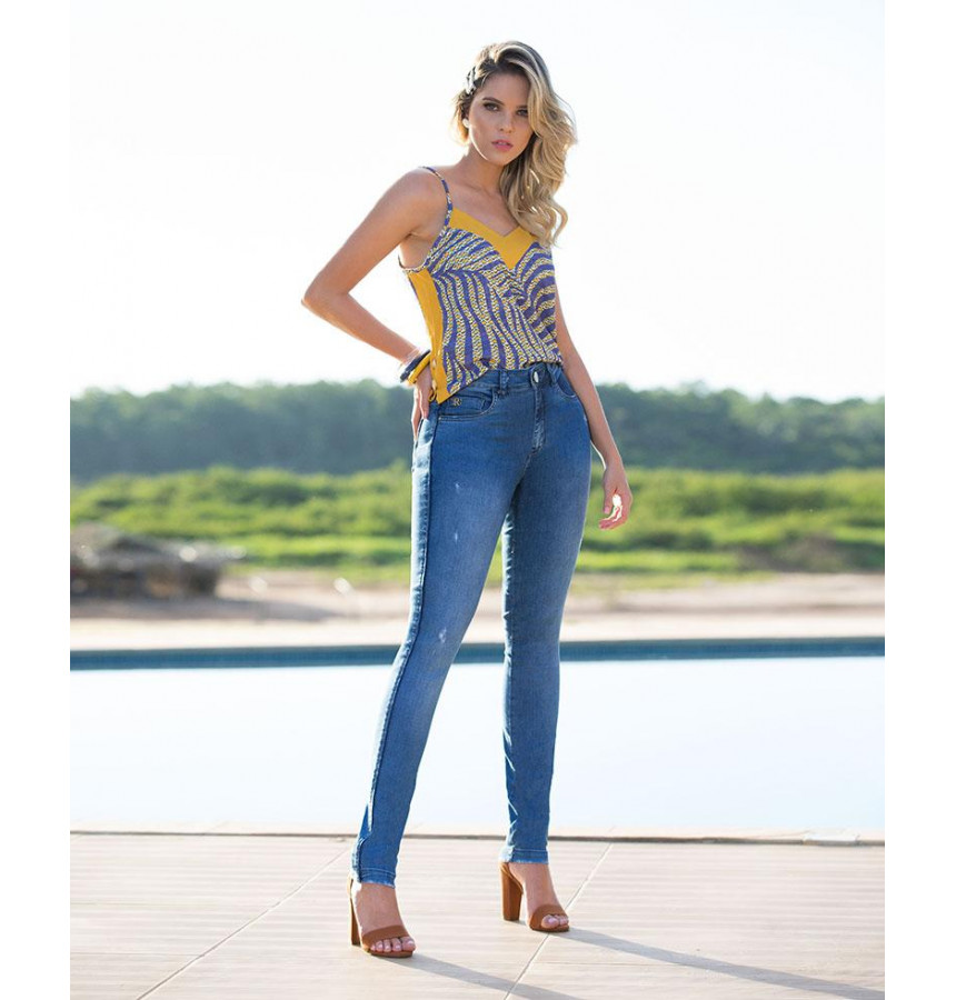 Blusa com botoes lateral